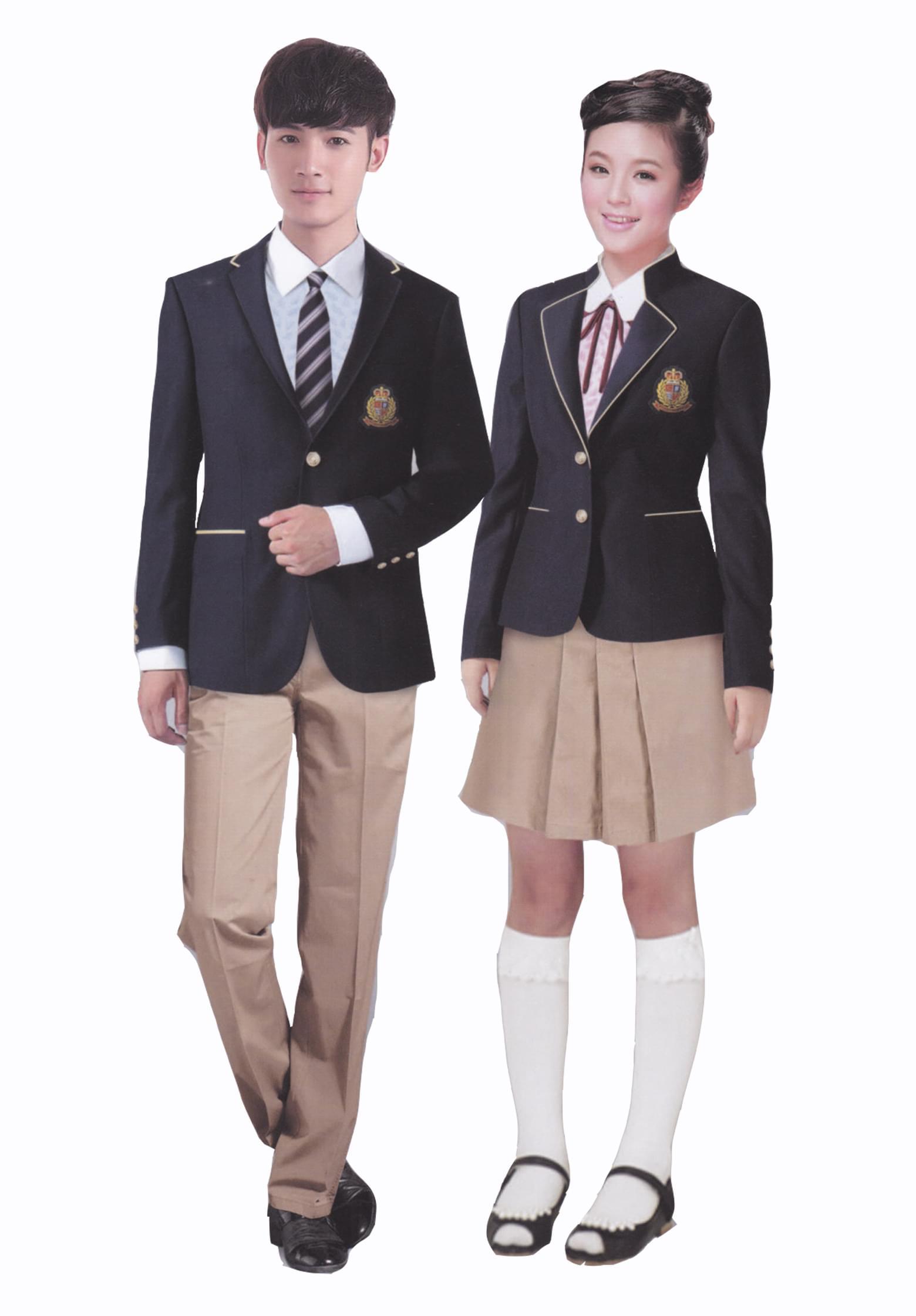 最近韵蔓接到很多顾客咨询韩版校服定做,基本都是家长为班级学生们选择的班服,女生为西服、短裙款式,男生为西服、长裤,初秋毛衣外搭也是个不错的选择。  韩版校服之所以现在这么流行,首先体现在韩版校服对男女校服的区分上,韩国气候与中国相似,但冬季女生校服依然选择及膝裙,用保暖的毛质紧身长袜代替产股,及注重了保暖性,也保证了款式的美观。 韩版校服同我们常说的英伦风校服相似,秋季校服基本都为西装外套或毛衣,女生为及膝裙,长厚毛袜,男生为长裤。校徽一般以刺绣的方式绣于校服左胸位置。  西装校服比较受欢迎的另一个原因就